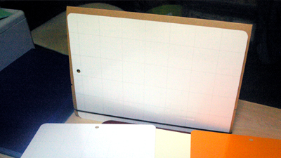 シートとケースで卓上カレンダーとしても使えます